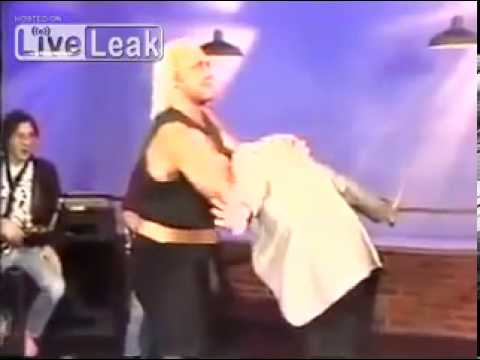 Hulk Hogan guillotines Richard Belzer on TV 1985