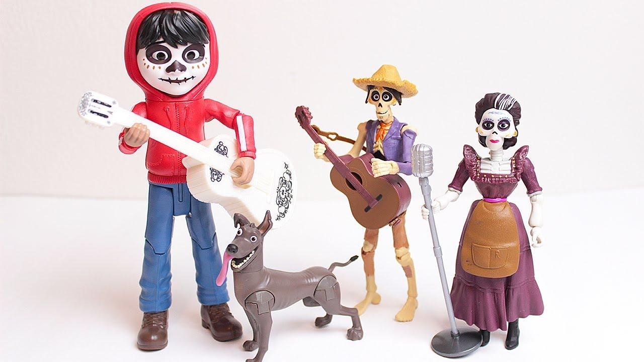 Coco unboxing di personaggi del nuovo cartone animato