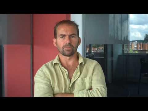2009/692 De business achter de businessprostitutie in Dubai - Filip Michiels en Isabel Pousset
