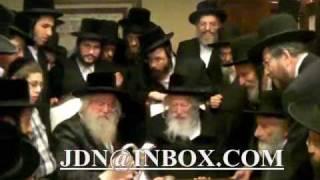 Gerrer Rebbe visits Munkatcher rebbe in NY Cheshvan 5770