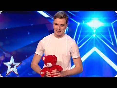 SURPRISE! Tomas has a special present for Amanda Holden   Auditions   BGMT 2019
