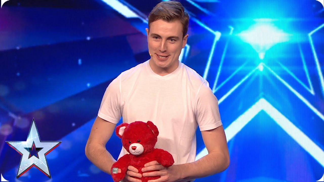SURPRISE! Tomas has a special present for Amanda Holden | Auditions | BGMT 2019