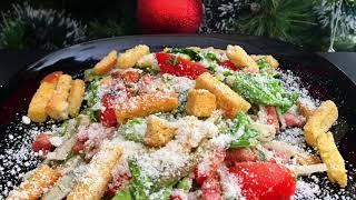 """Салат с беконом, пармезаном и помидорами черри. Простой рецепт салата """"Цезарь NEW""""/ Caesar salad new"""