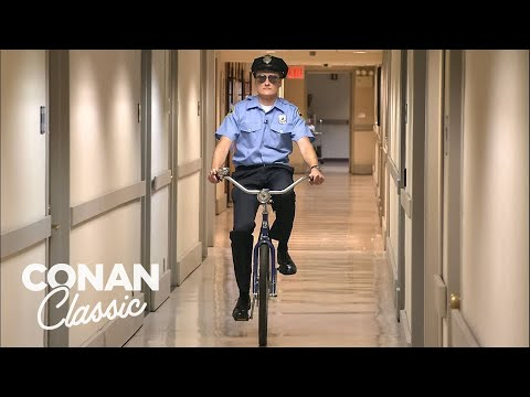 Conan Becomes A Security Guard – Conan25: The Remotes