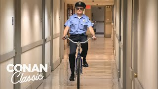 Conan Becomes A Security Guard - Conan25: The Remotes