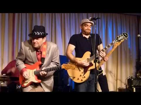 nick moss and the fliptops with ronnie earl - don't you leave me baby - Live at the Bull Run