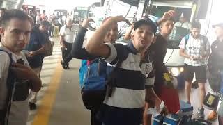 Hinchas de Talleres desde la Terminal hacia Brasil