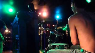 Dancing In The Dark, Springsteen cover by The Sole Pursuit. Live. Drums camera.