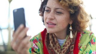 A Fine Romance - Alia Shawkat, James Williams