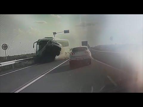 """""""Спешил на море"""": водителя из Башкирии проверяют на причастность к гибели семейной пары в ДТП"""
