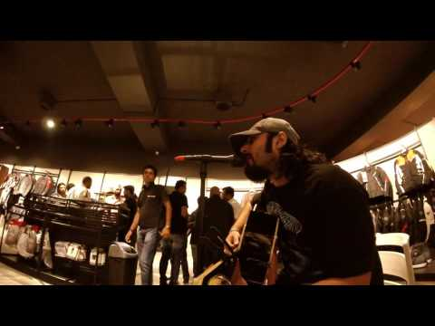 Puneet Vohra Solo Unplugged at High Note Performance showroom(New Delhi)