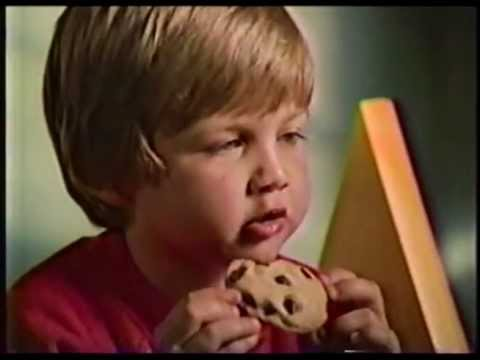 nestlé-toll-house-chocolate-chip-cookie-commercial-from-1986