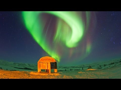 INCREDIBLE - Neon Green Northern Lights in the Arctic Circle !!!