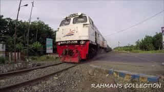 Download Video Kereta Api Batubara KPT rangkaian KKBW Rumania melintasi Perlintasan Gelumbang MP3 3GP MP4