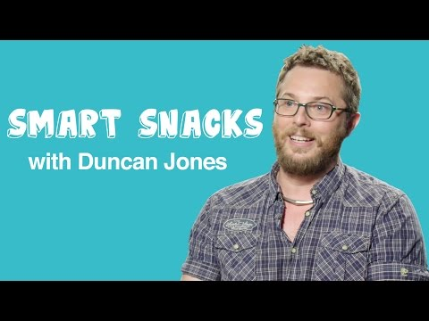 WARCRAFT's Duncan Jones Talks About Strong Female Characters Smart Snacks