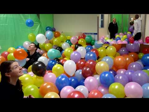 The balloonery 2500 balloons best office prank balloon for Balloon decoration ideas youtube