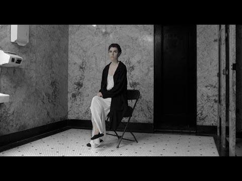Клип Julia Holter - Horns Surrounding Me