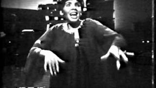 Shirley Bassey - On A Wonderful Day Like Today / I Get A Kick Out Of You (1966 TV Special)
