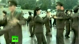 Танцующие военные в Северной Корее