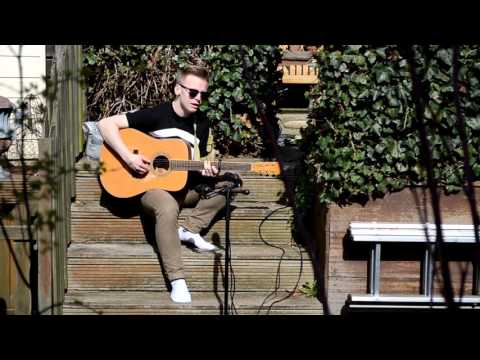 Daan Hamel: ''Stone Into The River'' (Douwe Bob cover)