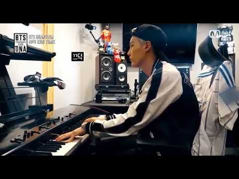 SUGA PLAYING PIANO @ GENIUS LAB BTS COME BACK SHOW