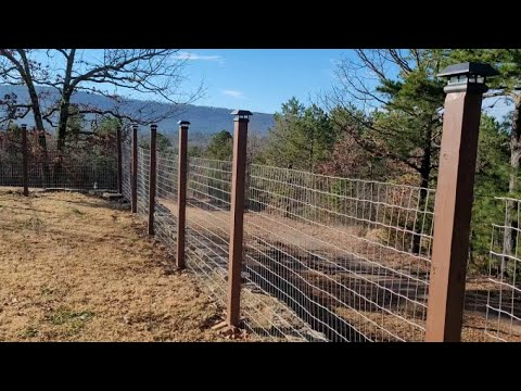 diy-front-yard-fence:-using-4x4's-and-stretch-woven-wire