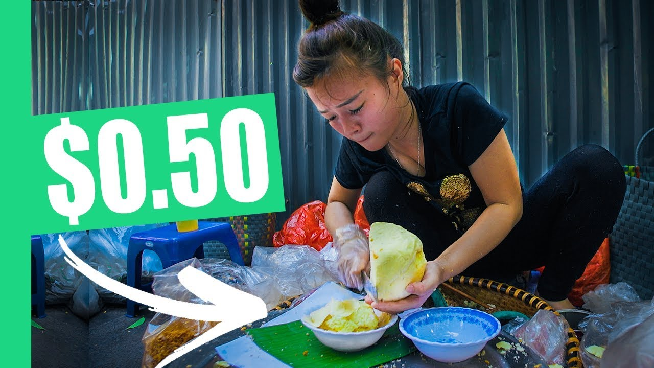 FIVE Must-Eat Hanoi STREET FOODS! (Egg Coffee, Bun Rieu, Xoi Xeo) #1