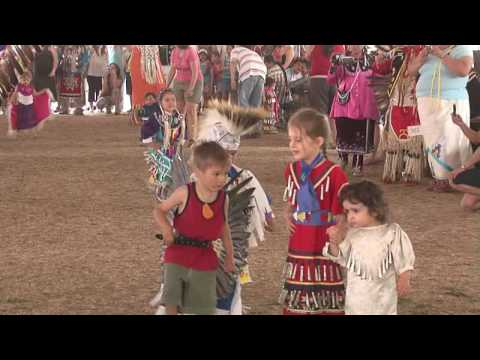 Odawa Powwow 2007 Children Dance (1)