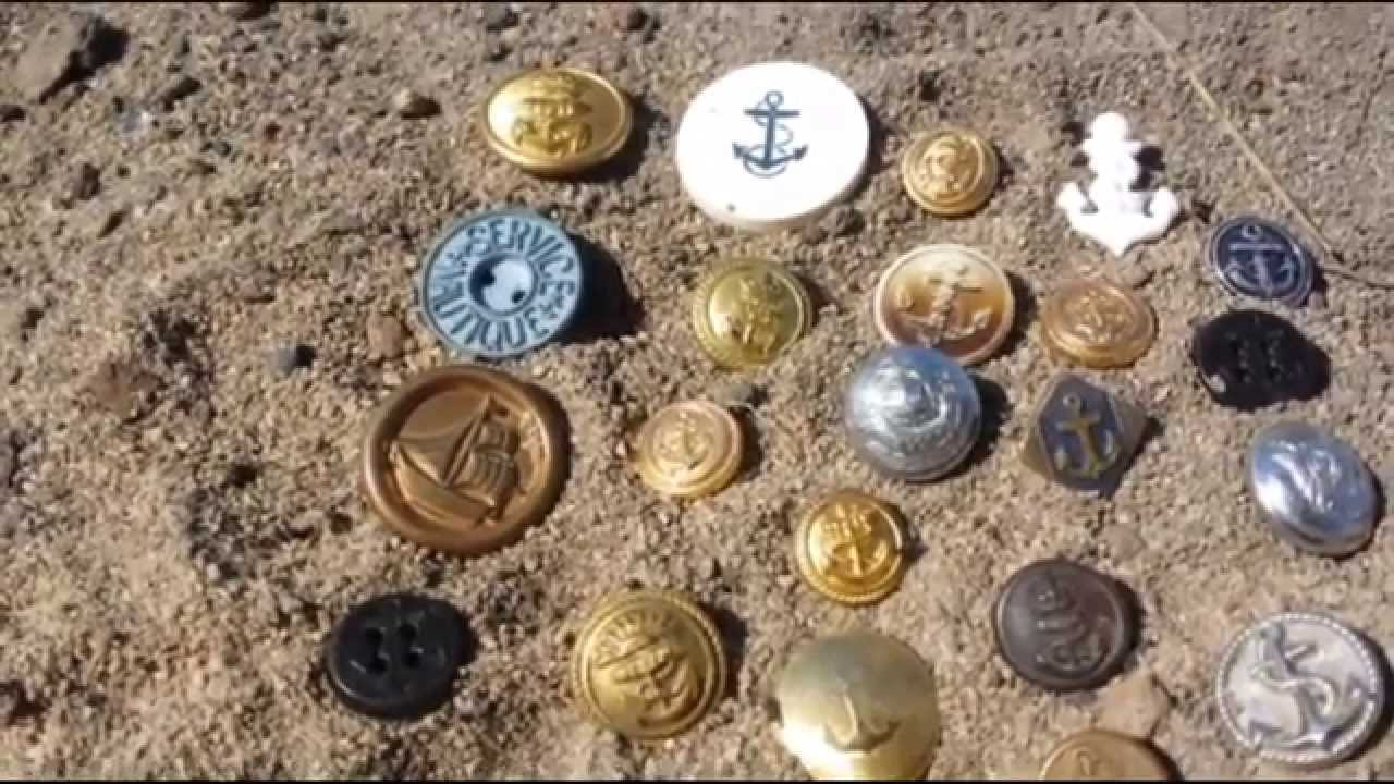 Old Australian WW1 to WW2 Navy Buttons Including Unusual Button - Rising  Sun with Anchor     Rare?