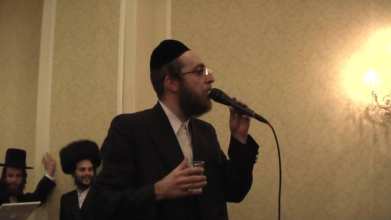 Arele Samet Singing at a Wedding