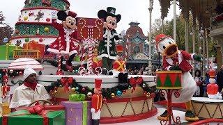 Gambar cover Disney's Christmas Parade 2018 at Disneyland Paris with Goofy, Mickey, Minnie, Donald, Duffy +