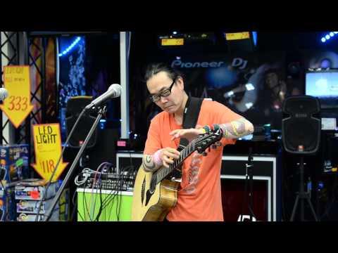 Sparky Quano Performing At JB HiFi Sydney