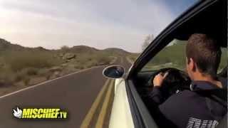 Un jeune se crashe avec une BMW M3 contre des rochers