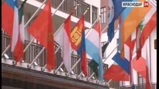 Курорты Сочи готовятся к летнему туристическому сезону(Красная Поляна в Сочи готовится к летнему сезону., 2015-05-06T20:49:52.000Z)
