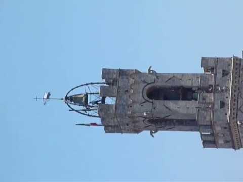 """La campana sulla """"Torre del Mangia"""" 2 Luglio 2013 giorno del Palio...."""