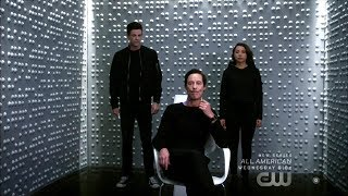 """The Flash 5x08 Thawne, Nora, Barry """"What's past is Prologue"""" Season 5 Episode 8 Scene"""