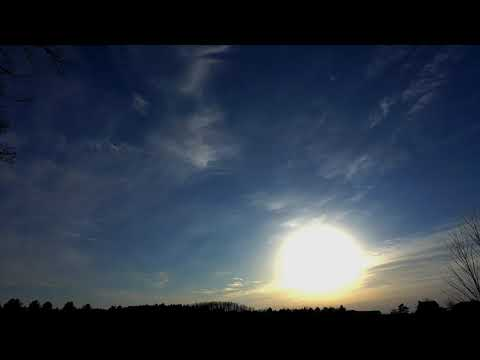 1 27 thru 1 29 2018 odd clouds, moon halo