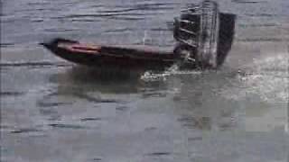 23cc rc airboat1.wmv
