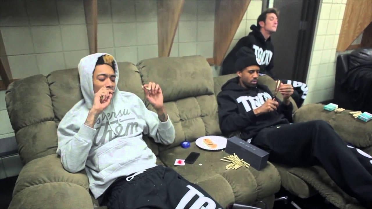 Wiz Khalifa Smoking Weed With Rhythm Youtube