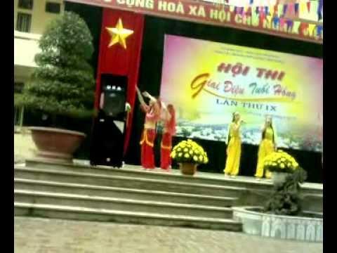 Giai Dieu Tuoi Hong 2011 (Huyen Vinh Tuong-THPT LE XOAY).avi