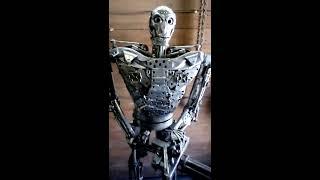 Железный Терминатор.скульптура