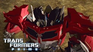 'Optimus Prime Has a Bone To Pick w/ the Insecticons' 💢 Official Clip | Transformers Prime Season 3
