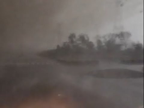 Witnesses of Severe Tornado in East China Show Breathtaking Video Clips
