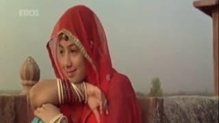 kesariya-balam-padharo-mhare-desh-dor-movie