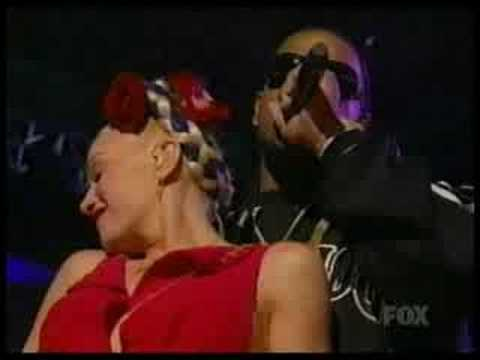 Gwen Stefani - Luxurious live @ Billboard Awards 2005