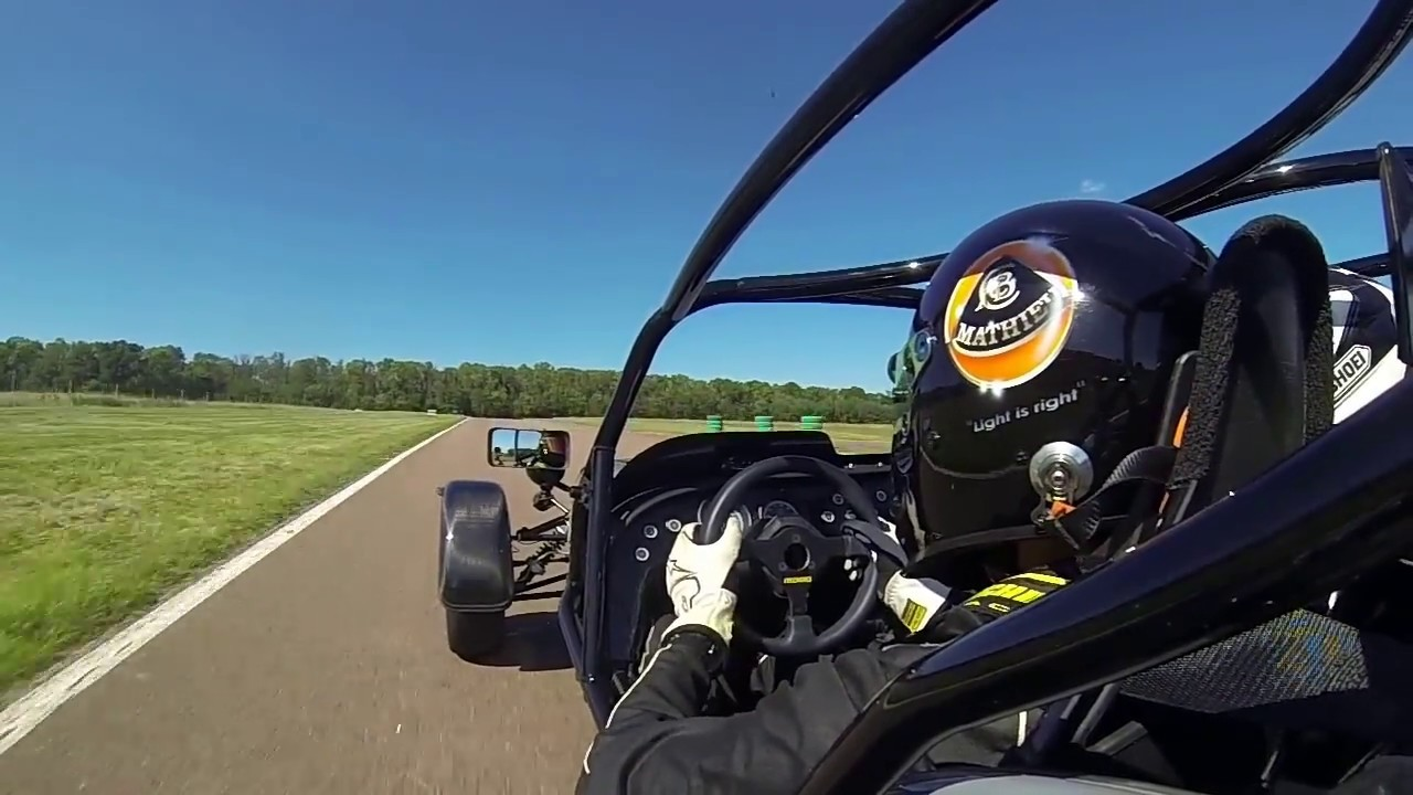 caterham 485 first spin round circuit ecuyers youtube. Black Bedroom Furniture Sets. Home Design Ideas