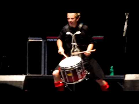 RED HOT CHILLI PIPERS - STEVEN GRAHAM DRUMMER BATTLE -  IRISH FEST MILWAUKEE AUG 20 2011.MOV