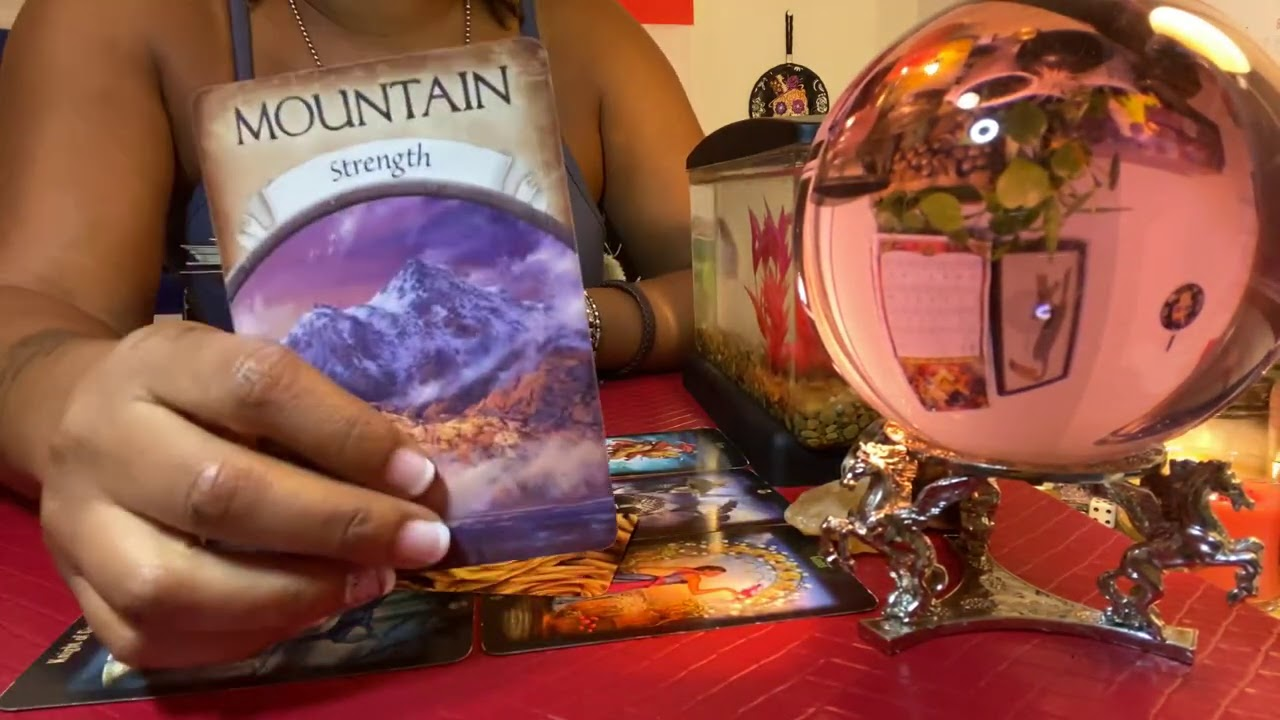 AQUARIUS ♒️ SOMEONE THINKING ABOUT YOU 😍 GENERAL TAROT READING 🔮