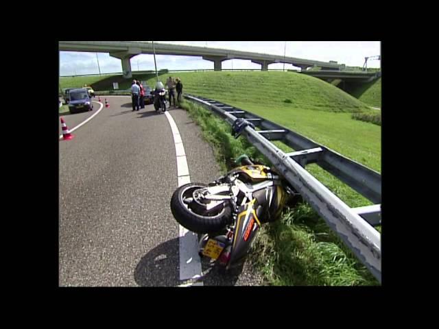 Blik op de Weg OFFICIAL - Fragment Motor onder de geleiderail