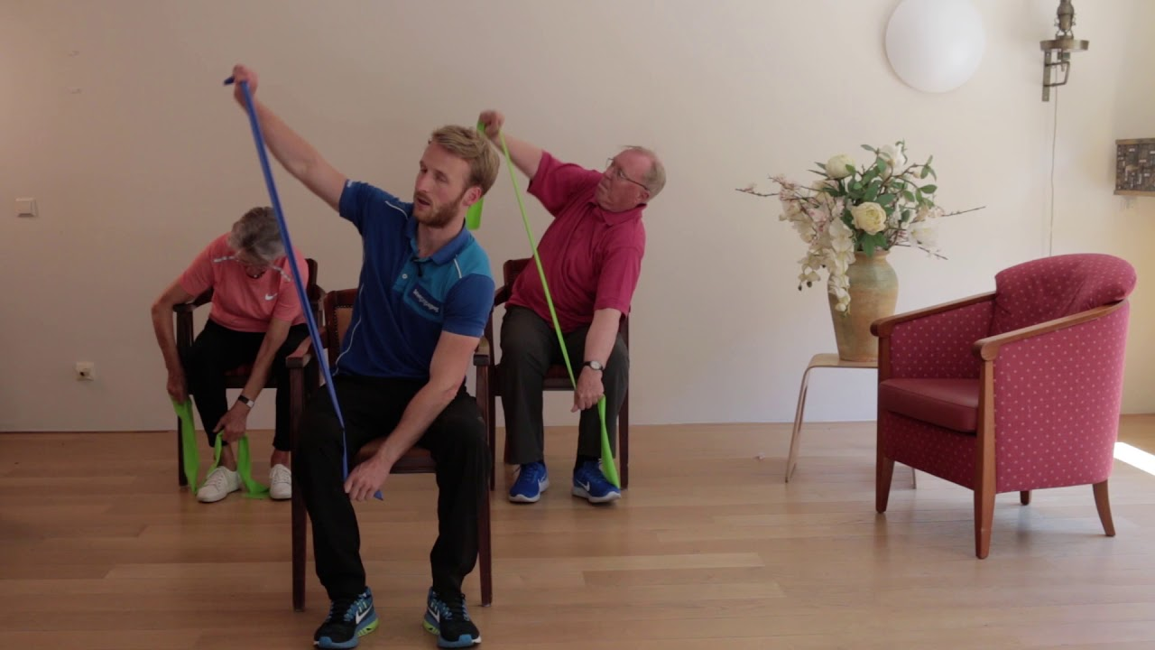 Hedendaags Filmpjes: Zitgymnastiek oefeningen voor ouderen in een stoel GZ-81